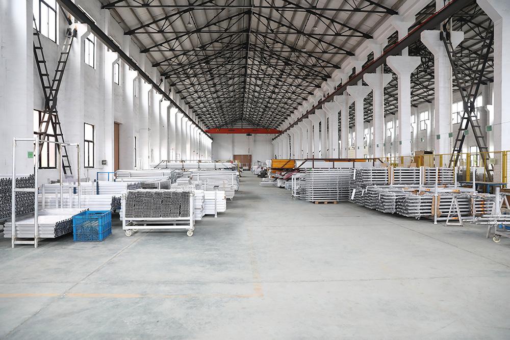 型材仓库及焊接成品区
